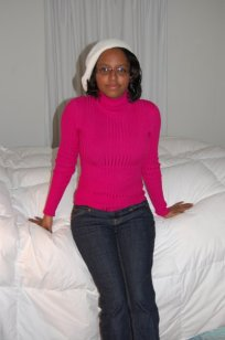 Pink sweater, cream beret and jeans